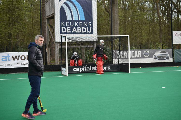 Jean Willems (links) is hoofdcoach bij KHC Dragons.