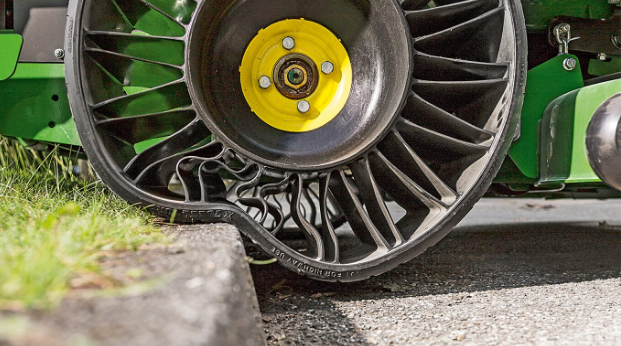 Het speciaal ontworpen <i>tweel wheel</i> gaat tot driemaal langer mee.
