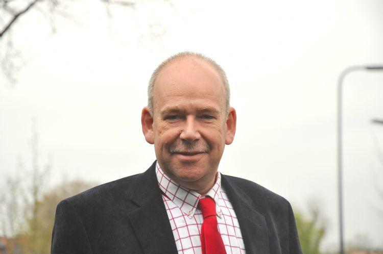Martin Olde Weghuis maakte deel uit van de SBIR-jury die Greenmaxx in 2019 subsidie toekende. Hij zegt: 'Door de ontwikkeling van dit soort nieuwe technologie kan er in de toekomst duurzaam, veilig en microplasticvrij gesport worden.'