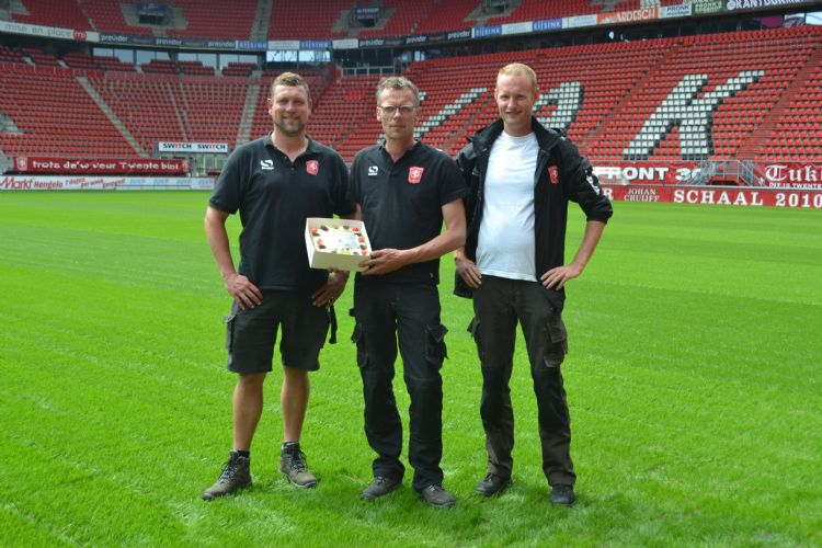 De fieldmanagers van FC Twente: Paul Weber, Henry de Weert en Bas Wamelink.