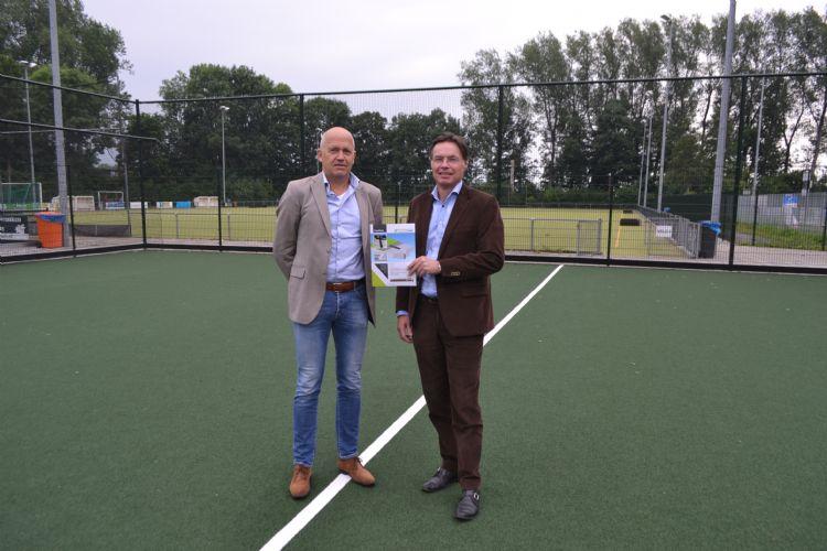 Eric Sarelse (SuperSub) en Hans Kamphuis (Aquaco) op het veld in IJsselstein