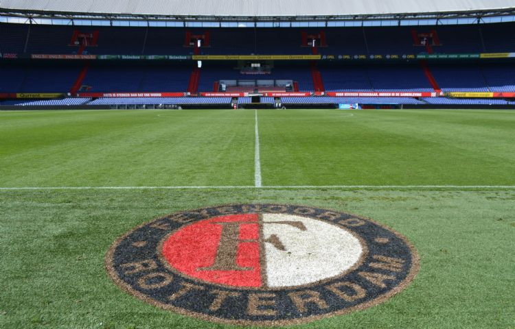 Feyenoord sluit de veldencompetitie bovenaan af.