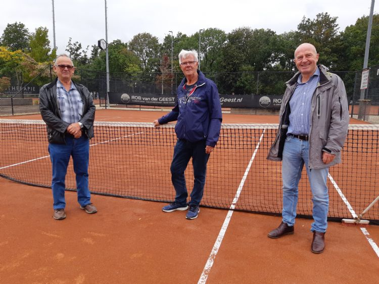 Henk Schol (beheerder), Ruud Veldt (groundsman) en Haiko van der Pol (Algavelan)