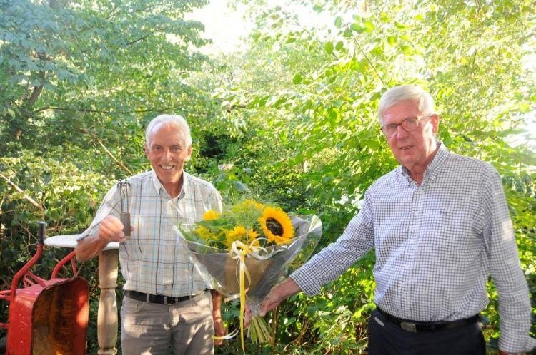 Uittredend voorzitter Bernard van den Bosch (links) en Pleun Lok (rechts), de nieuwe juryvoorzitter.