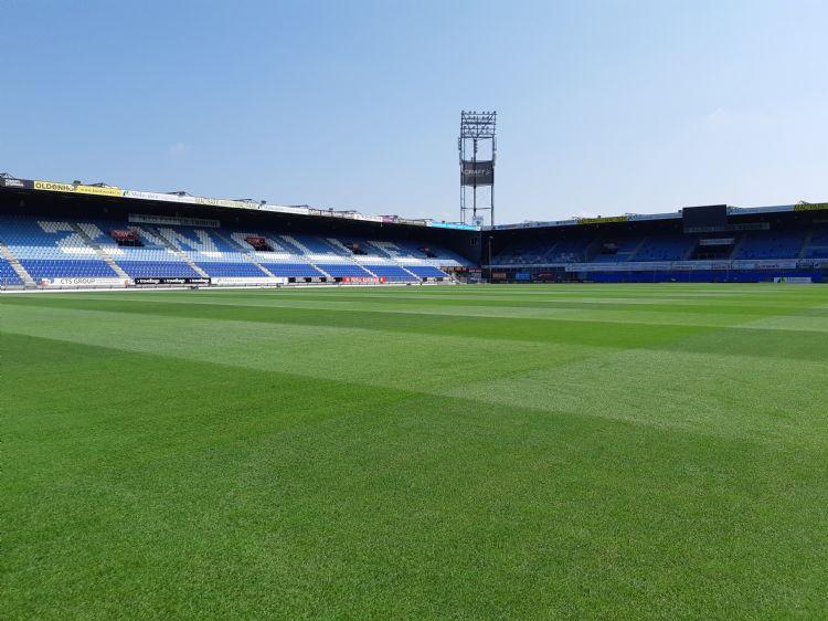 Het veld van Pec Zwolle in augustus 2020.