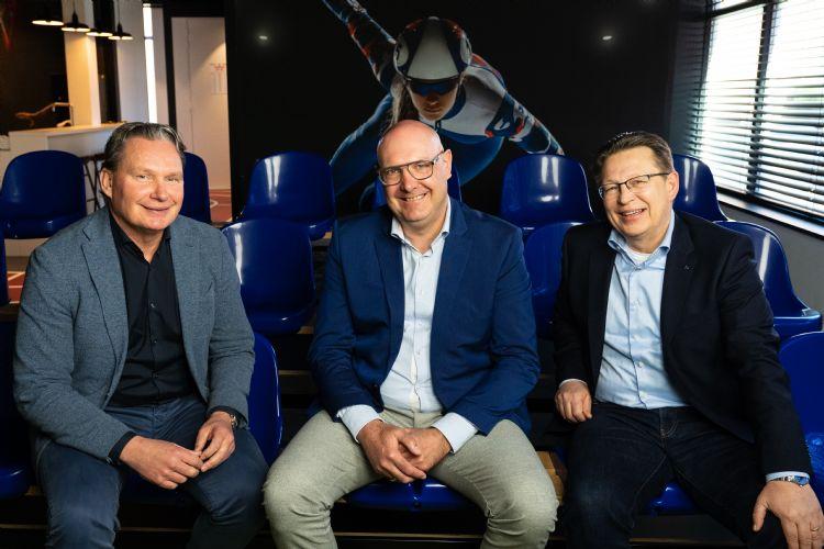 Dave Smits (Fier Bemiddeling), Mark de Jong (Malsen Sport & Civiel) en Arnoud Korrel (Onze Clubkracht)