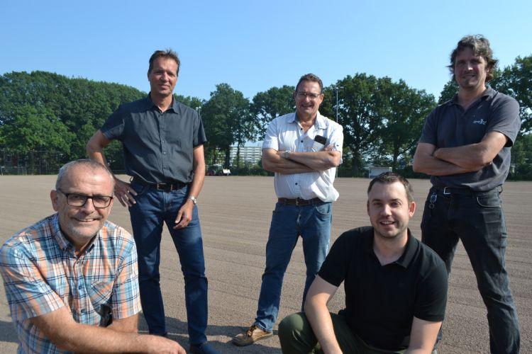 Achter: Raymond Schenk, Eric Rijnders en Mark van Tilburg. Voor: Joost Lambregts en Robin Castelijn