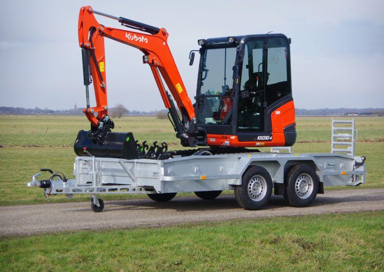 Tandemdielader model 2021 van Veldhuizen Wagenbouw met KX030-4